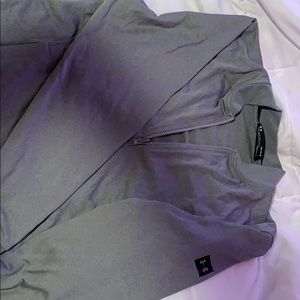 LARGE ZIP UP UNDER ARMOUR JACKET GRAY